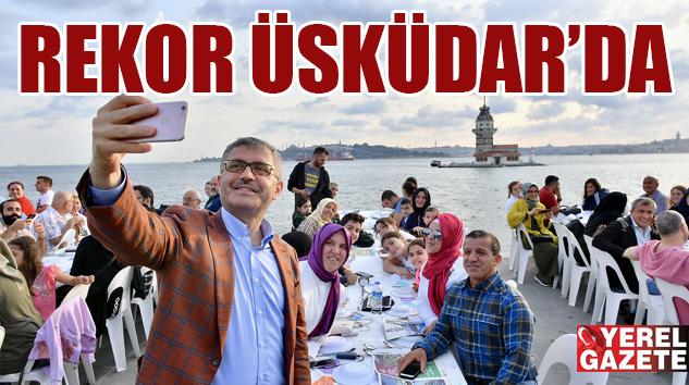 ÜSKÜDAR'DAN HAREME 2 KM. SOFRADA 100 BİN KİŞİ AĞIRLANDI..