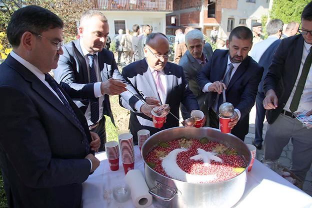 ÜMRANİYE'DEN BOSNA'YA AŞURE BEREKETİ..