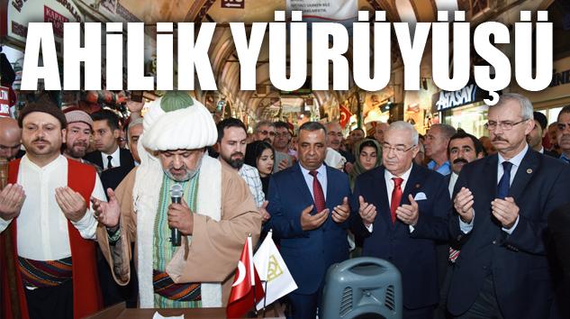 İSTANBUL'DA YILIN AHİSİNE KAFTAN GİYDİRİLDİ..