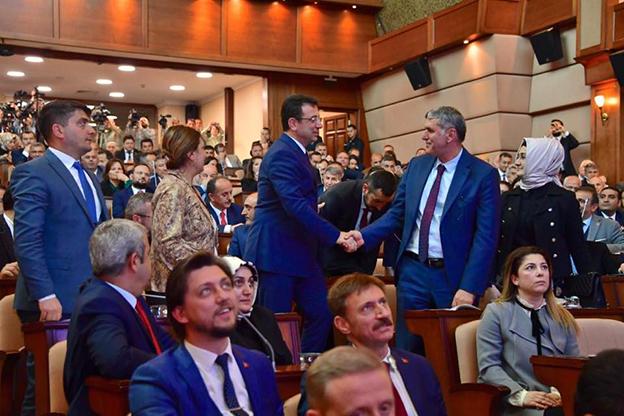 İBB MECLİSİ 'SALGIN' GÜNDEMİYLE OLAĞANÜSTÜ TOPLANIYOR..