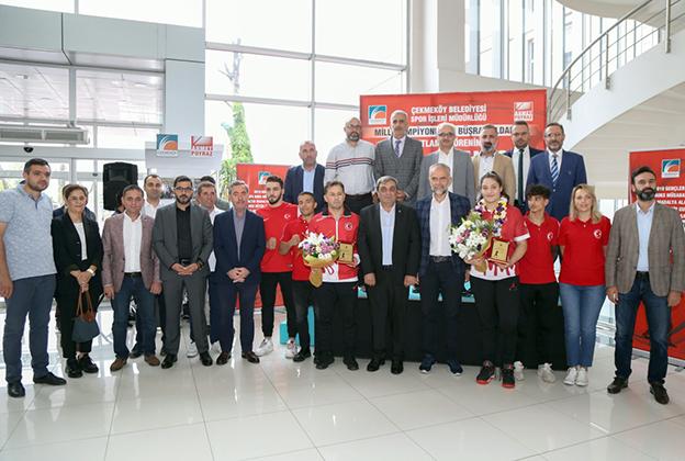 ÇEKMEKÖY'ÜN GURURU AVRUPA ŞAMPİYONU BÜŞRA'YA COŞKULU KARŞILAMA..