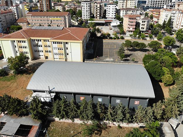 İBB'DEN 10 OKULA DAHA YENİ SPOR SALONU..