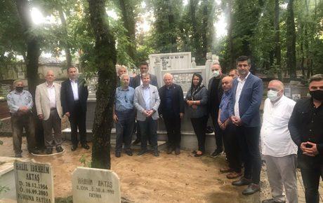 RAHMETLİ BAŞKAN SIRRI ÇELİK KABRİ BAŞINDA ANILDI..