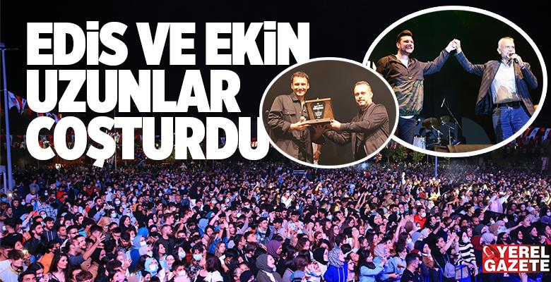 ÇEKMEKÖYLÜLER AÇIK HAVA KONSERİNDE DOYASIYA EĞLENDİ..